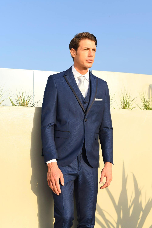 γαμπριάτικο κοστούμι μπλε ηλεκτρικ